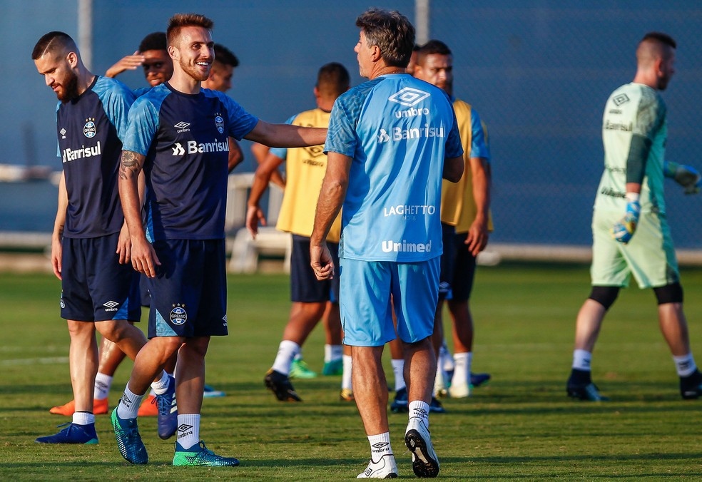 Renato dará chance a Bressan e Marcelo Oliveira (Foto: Lucas Uebel / Grêmio, DVG)