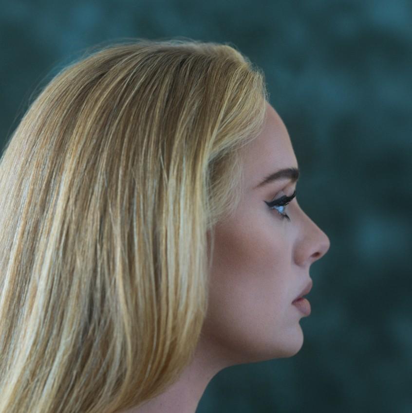 'Easy on me', de Adele, bate recorde de audição diária da história do Spotify