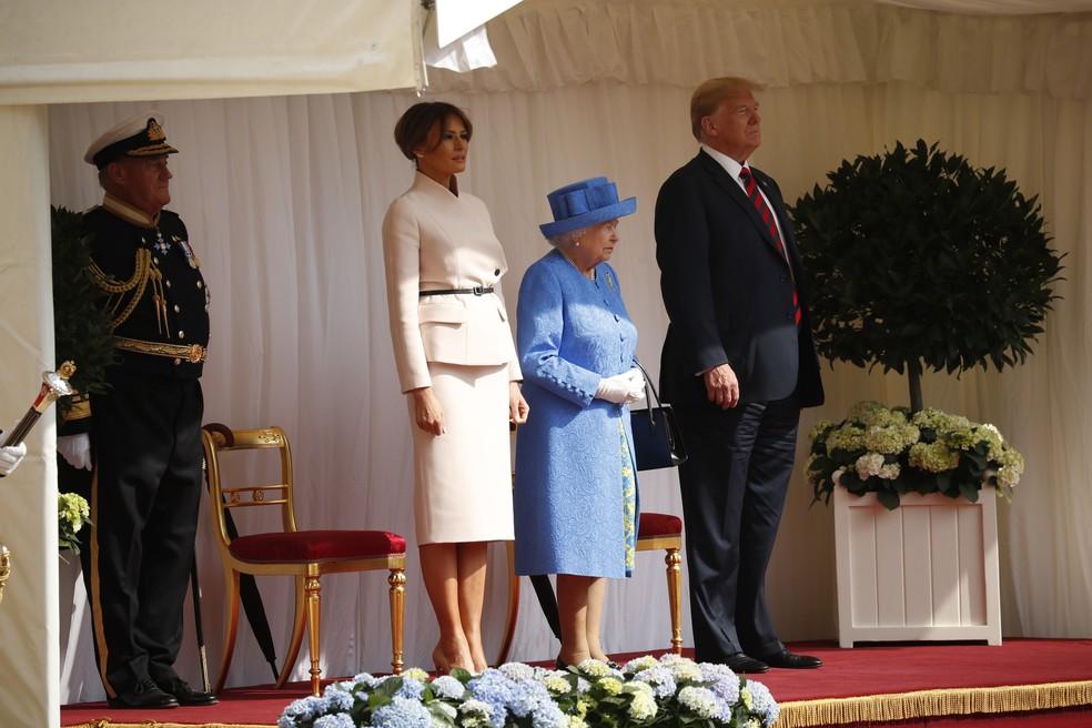 -  Rainha Elizabeth recebe Trump e a primeira-dama americana Melania em Windsor  Foto: AP/ Pablo Martinez Monsivais