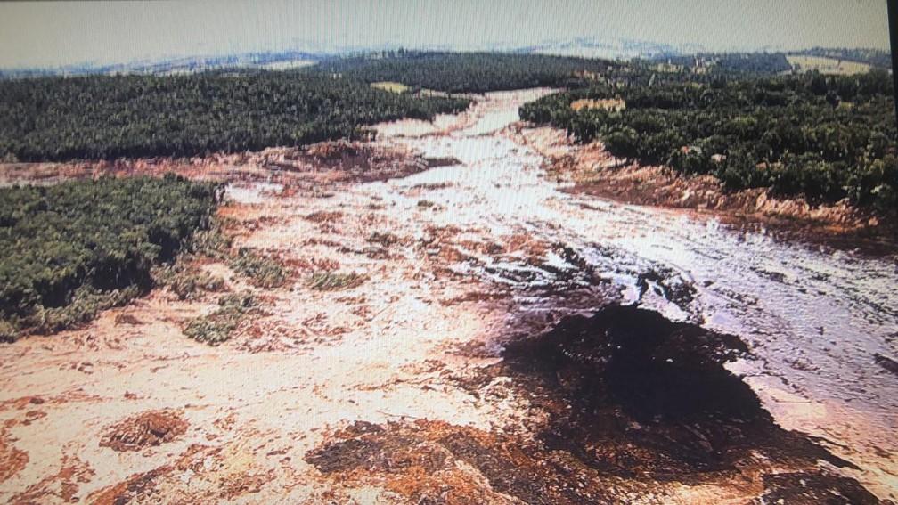 Barragem se rompe em Brumadinho (MG) — Foto: Globocop/Reprodução