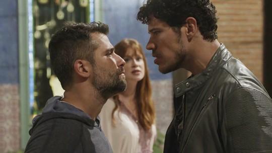 Gabriel e Júnior trocam socos por causa de Luz
