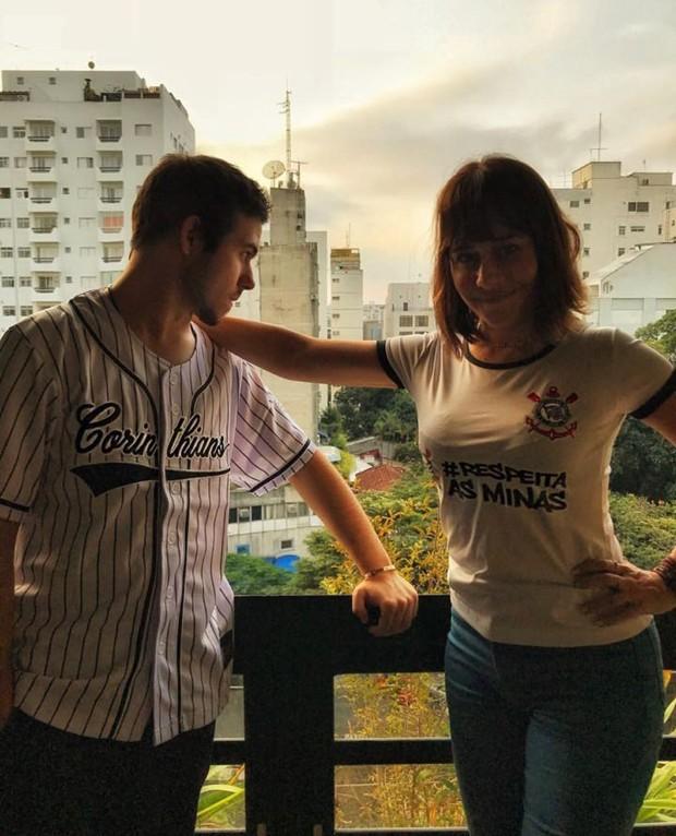 Antônio e a mãe, Alessandra Negrini (Foto: Reprodução/Instagram)