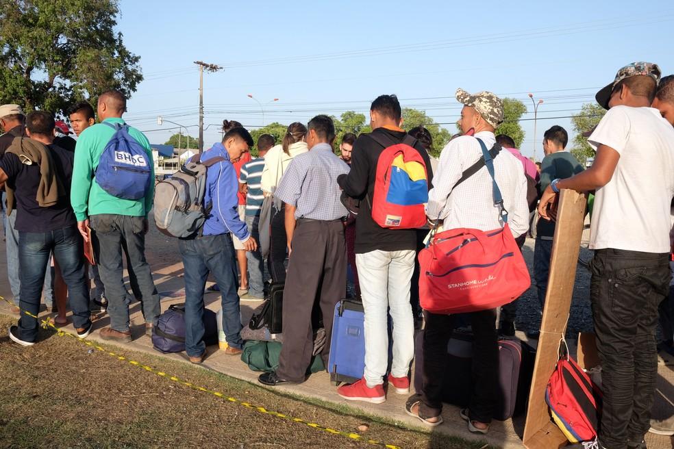Maioria dos venezuelanos que chega a Roraima estão a procura de trabalho para conseguir dinheiro e enviar para ajuda para as famílias (Foto: Inaê Brandão/G1 RR)