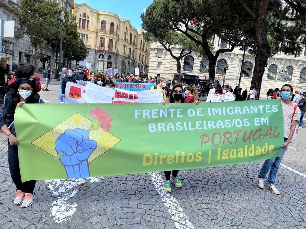 Brasileiros da FIB em manifestação em Portugal