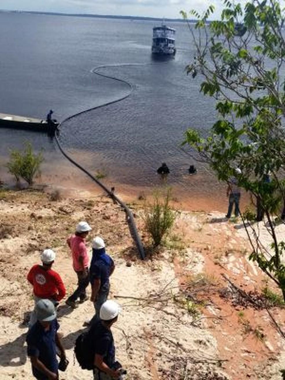 Projeto Amazônia Conectada implanta cabos de fibra ótica a rios da Amazônia para levar internet de alta velocidade à região. — Foto: Divulgação/Amazônia Conectada/Exército Brasileiro