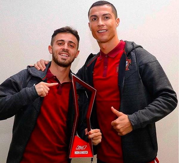 Bernardo Silva e Critiano Ronaldo em foto de 2017 (Foto: Instagram)