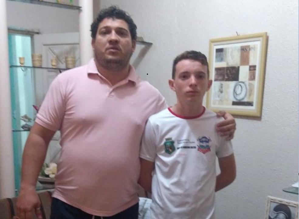 -  Adolescente salvou pai de engasgo na véspera de Natal com técnica aprendida em curso de Brigadista dos Bombeiros  Foto: Arquivo Pessoal