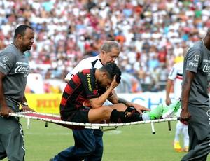 sport x santa cruz cicinho (Foto: Aldo Carneiro / Pernambuco Press)