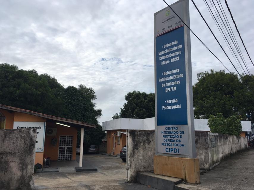 Assaltantes invadem e tentam furtar Delegacia do Idoso em Manaus