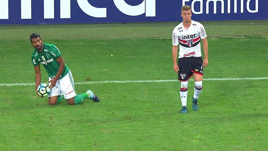 Seis nomes e uma vaga: a acirrada disputa no sistema ofensivo do Palmeiras