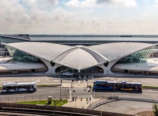 O local foi desenhado por Eero Saarien e inaugurado em 1961. Agora, abrigará um hotel para os viajantes do JFK (Foto: David Mitchell/ Reprodução)