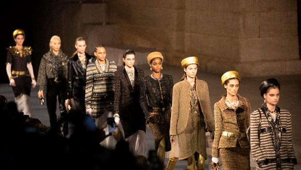 Desfile da Chanel - moda (Foto: Reprodução/Facebook)
