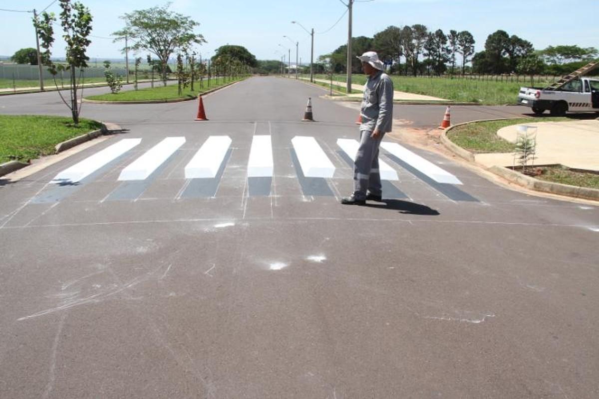 Avenida de Birigui ganha faixa de pedestres em 3D para prevenir acidentes