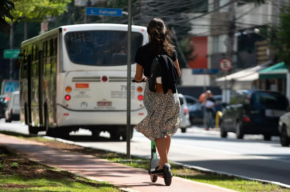Patinete em São Paulo — Foto: Marcelo Brandt/G1
