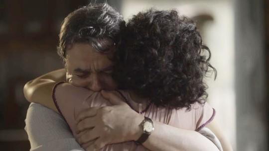 'Éramos Seis': reencontro de Afonso e Inês comove internautas; reveja a cena!