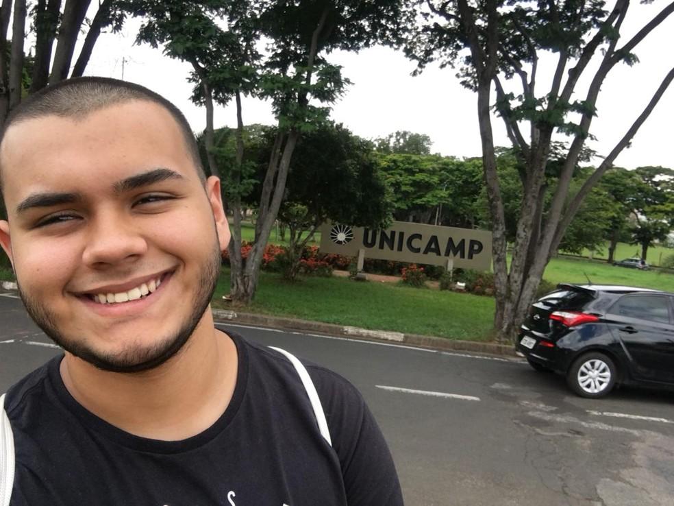 Ex-estudante de escola pública de Saltinho passou em quatro universidade públicas (Foto: Higor Daniel de Oliveira/Arquivo pessoal)