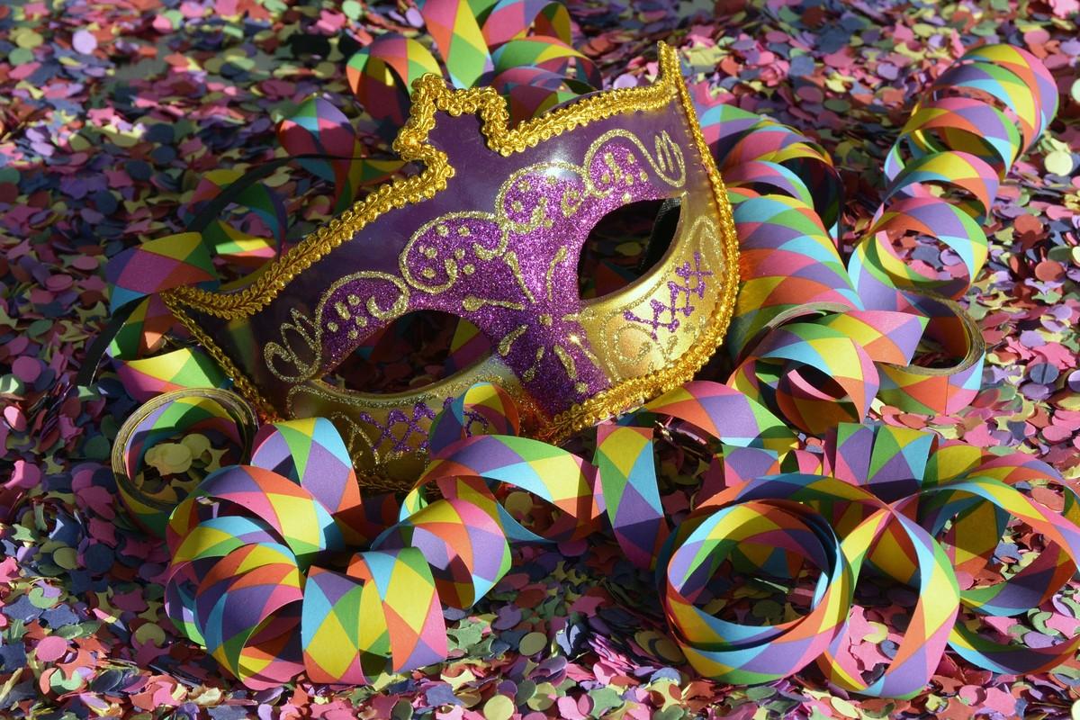 Resultado de imagem para parando para o carnaval 2019