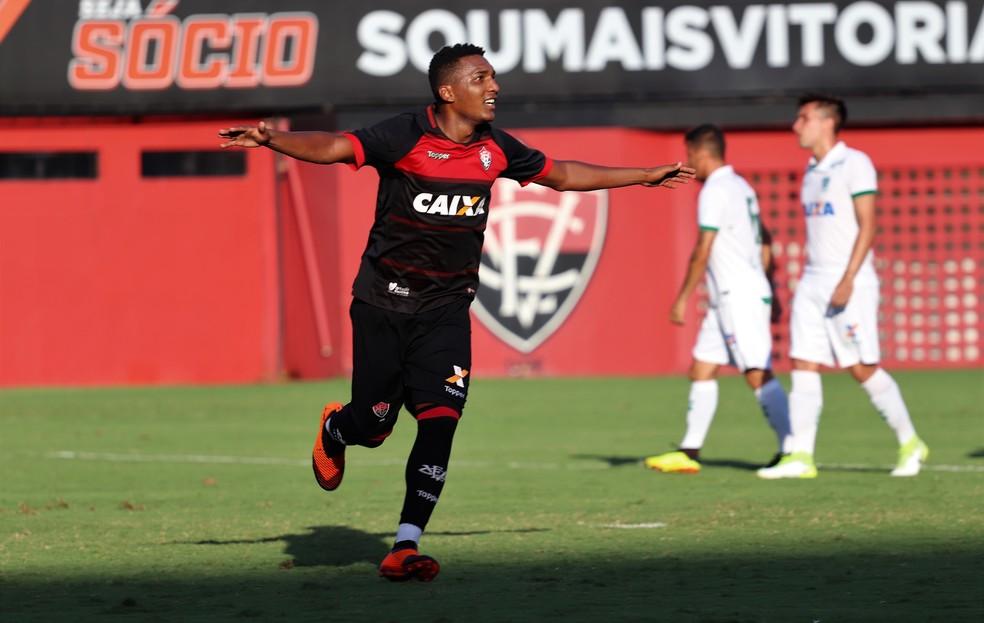 e2da2ba1475f9 ... Eron é um dos destaques da equipe sub-20 do Vitória — Foto  Maurícia