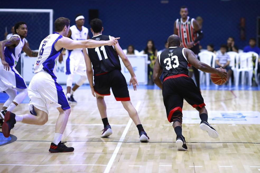 3e3a8d66b8a8d São Paulo retorna ao basquete profissional com vitória na sua ...