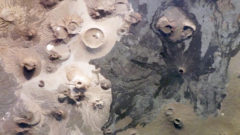 As estruturas foram descobertas no centro oeste de Arábia Saudita, em uma região chamada Harrat Khaybar (Foto: Nasa)