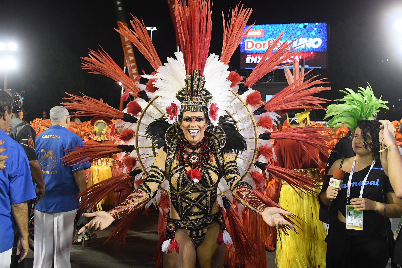 Desfile da Estácio de Sá; veja FOTOS