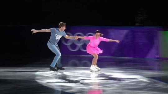 Patinação de gala tem Barbie Girl, e campeões olímpicos cheios de surpresas