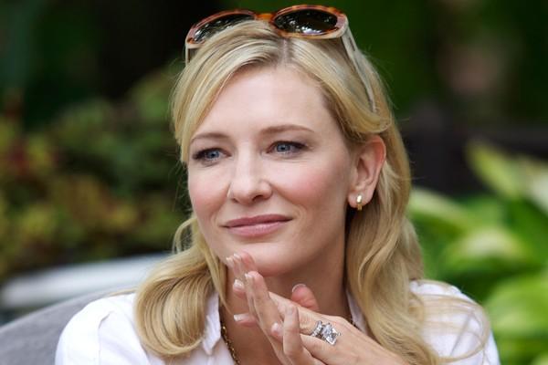 A atriz Cate Blanchett em Blue Jasmine (2013) (Foto: Reprodução)