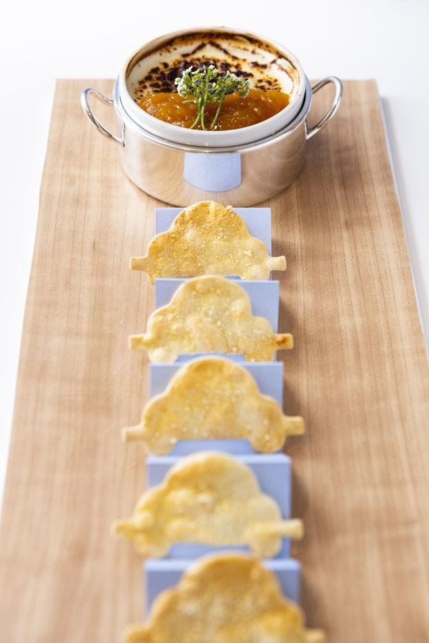 Decoração de chá de bebê com menu elegante (Foto: Douglas Daniel)
