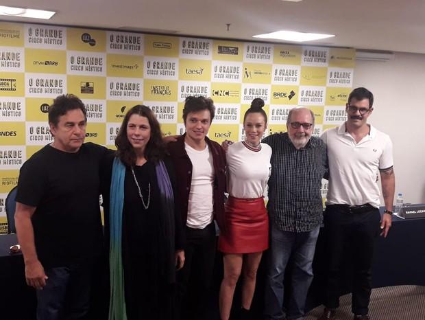 Cacá Diegues e o elenco de O Grande Circo Místico (Foto: QUEM)