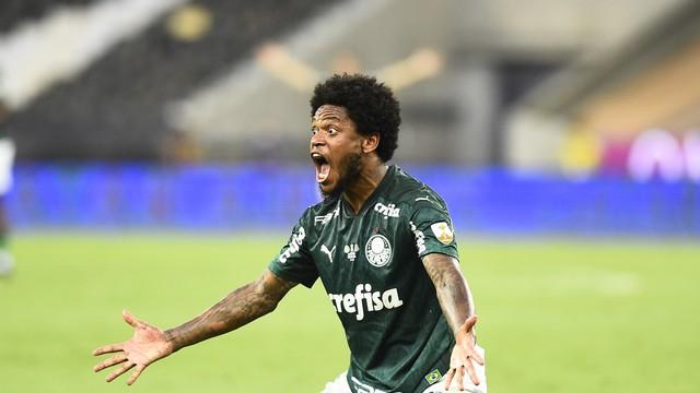 Luiz Adriano em Palmeiras x Santos