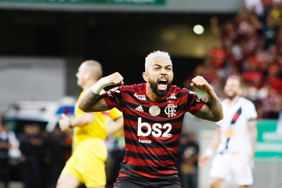 Gabriel comemora em clássico com o Vasco — Foto: ag Estado