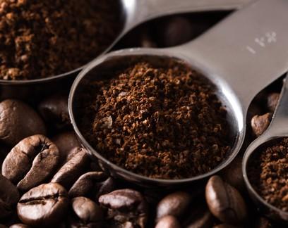 Bienalidade negativa e clima desfavorável farão Brasil colher menos café em 2021