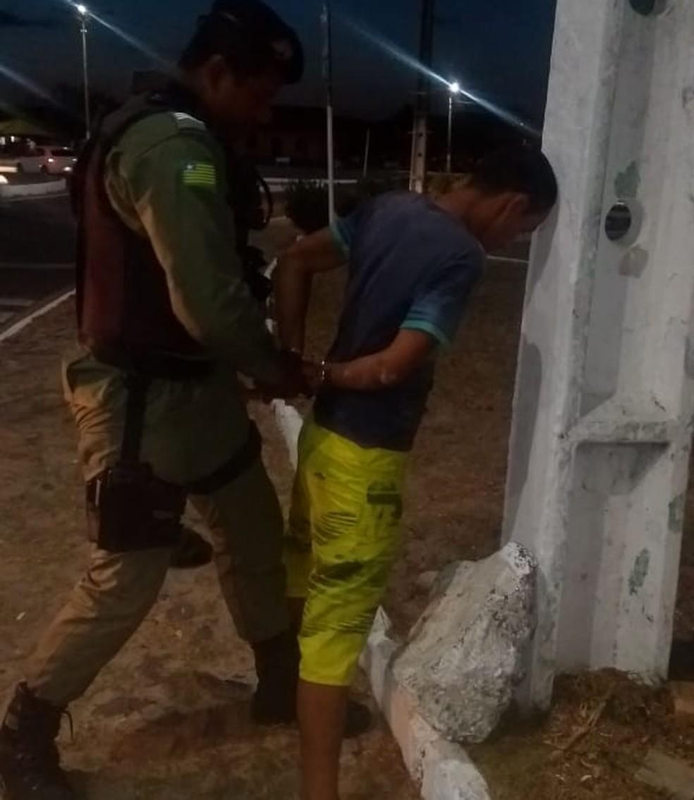 Suspeito foi preso pela Ciptur depois de furtar igreja — Foto: Divulgação/PM