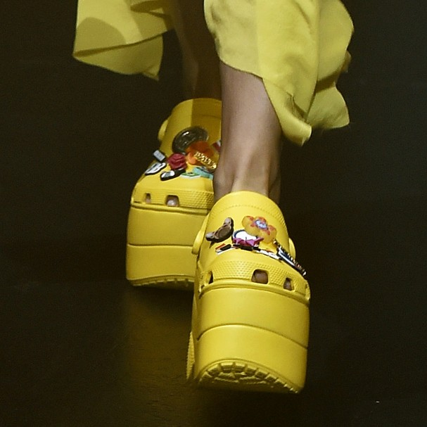 Balenciaga x Crocs (Foto: Getty Images)