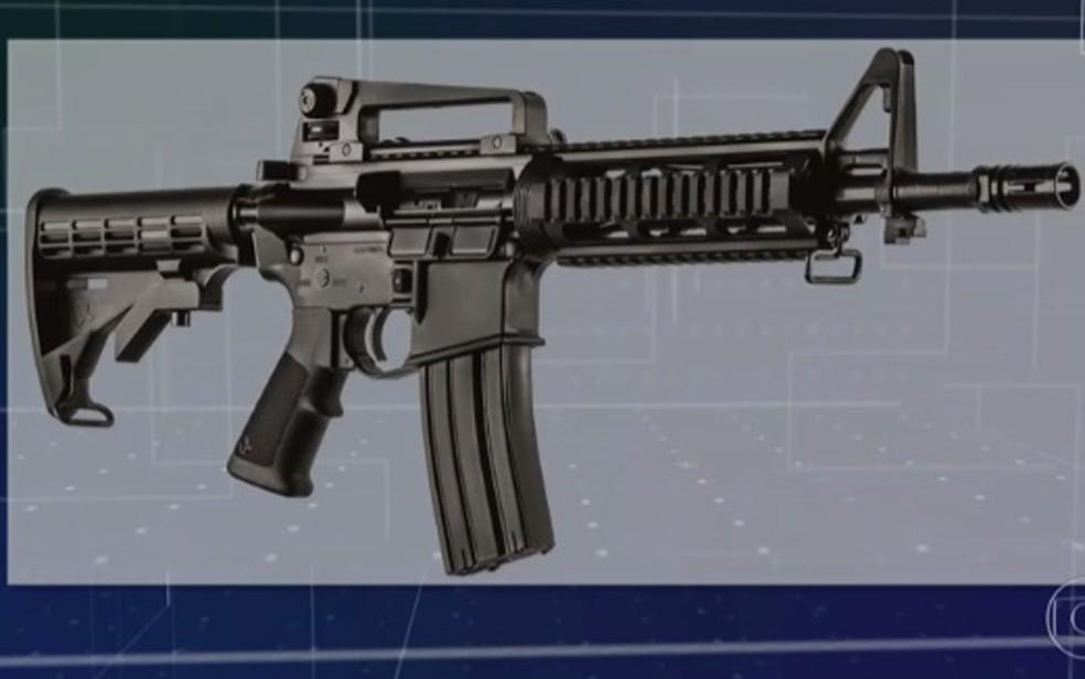 Fuzil nacional T4 da Taurus, calibre 5.56mm, não está dentre os permitidos à população — Foto: TV Globo