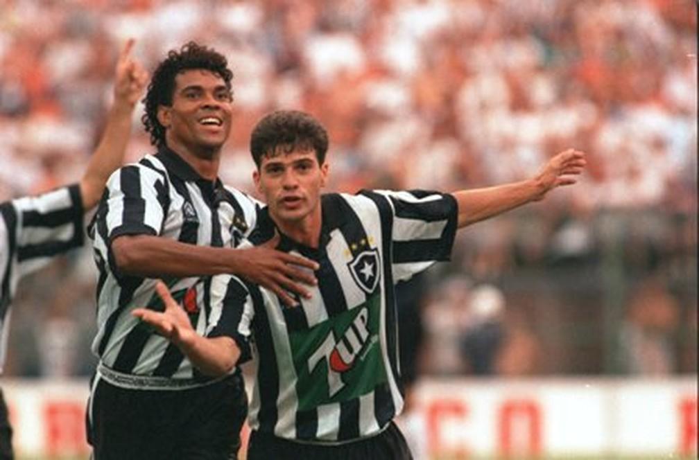 Donizete e Túlio formaram a dupla campeã brasileira pelo Botafogo, em 1995 — Foto: Arquivo