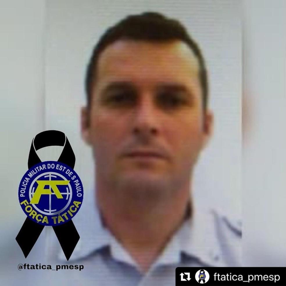 Cabo Alexandre Luís Batista, de 43 anos, morreu após cair do Helicóptero Águia, durante treinamento realizado pela Polícia Militar, em Álvares Machado (SP) — Foto: Reprodução/Facebook
