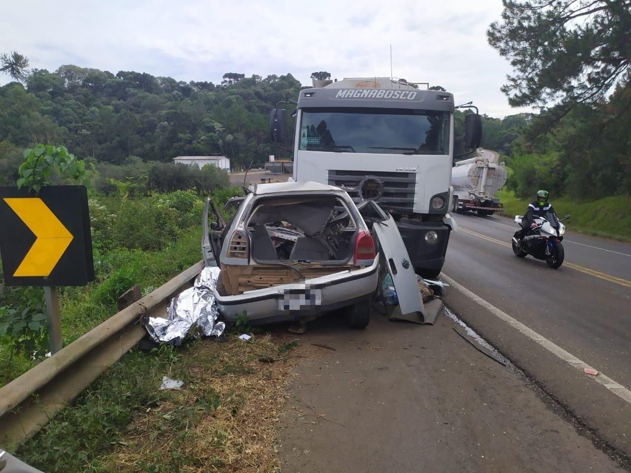 Fim de semana começa com mortes em acidentes nas rodovias de SC