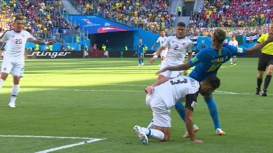 Brasil tem 1º pênalti anulado da Copa após consulta ao VAR