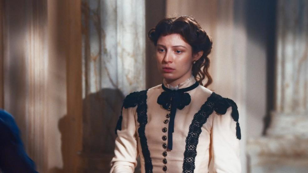 Isabel (Giulia Gayoso) ficará confusa com insinuação de Leopoldina (Bruna Griphao) em 'Nos Tempos do Imperador' — Foto: Globo