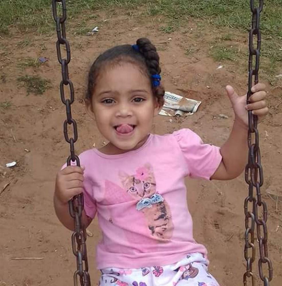 Gabrielly, de 5 anos, morreu após tomar medicação em unidade de saúde de Praia Grande (SP) — Foto: Reprodução/Facebook