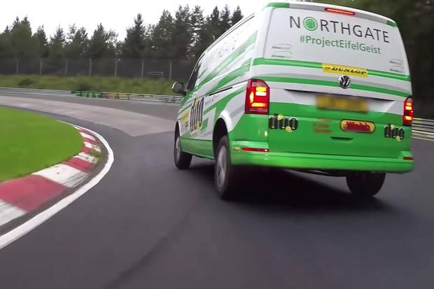 Volkswagen Transporter do recorde teve apenas peso aliviado (Foto: Divulgação)