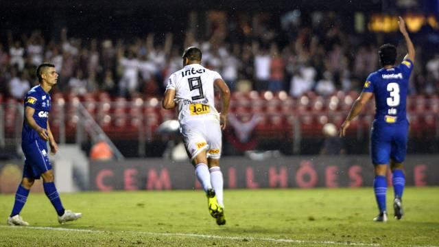Diego Souza comemora o gol do jogo entre Egídio e Léo (3)