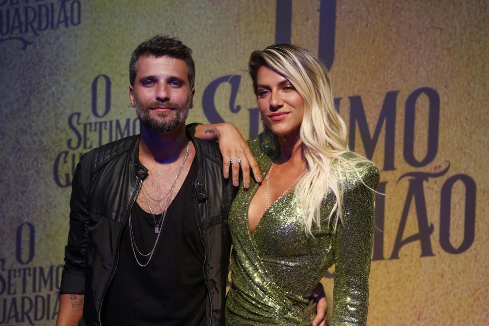 Bruno Gagliasso, que será o protagonista Gabriel, e a esposa Giovanna Ewbank — Foto: Fabrício Battaglin/Gshow