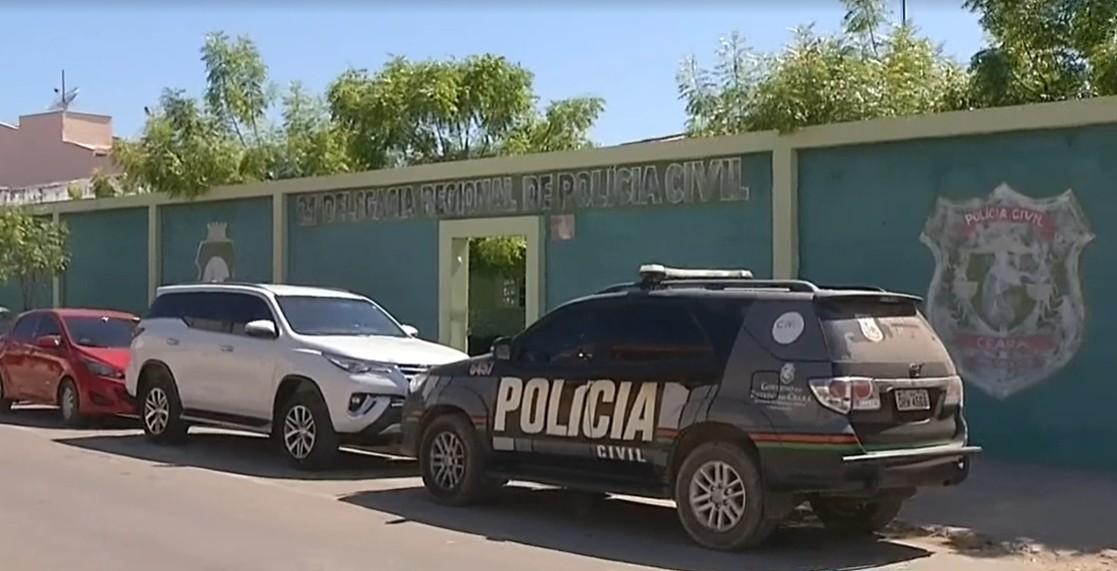 Padrasto esconde celular no teto e filma enteada de 12 anos no banheiro, no Ceará