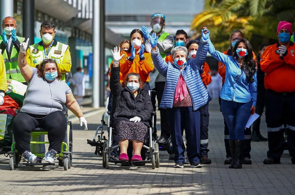 Últimas pacientes recebem alta nesta sexta-feira (1º) de hospital temporário que funciona em Madri, na Espanha   — Foto: Sergio Perez/ Reuters