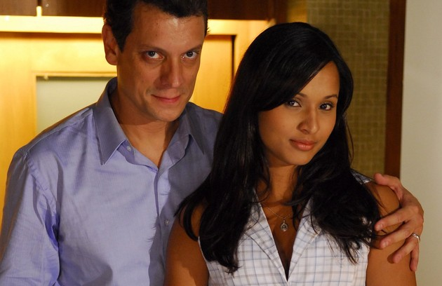 Thaissa Carvalho interpretou Cida em 'Viver a vida' (2010) e tinha um caso com o patrão, Gustavo (Marcelo Airoldi) (Foto: Renato Rocha Miranda/ TV Globo)