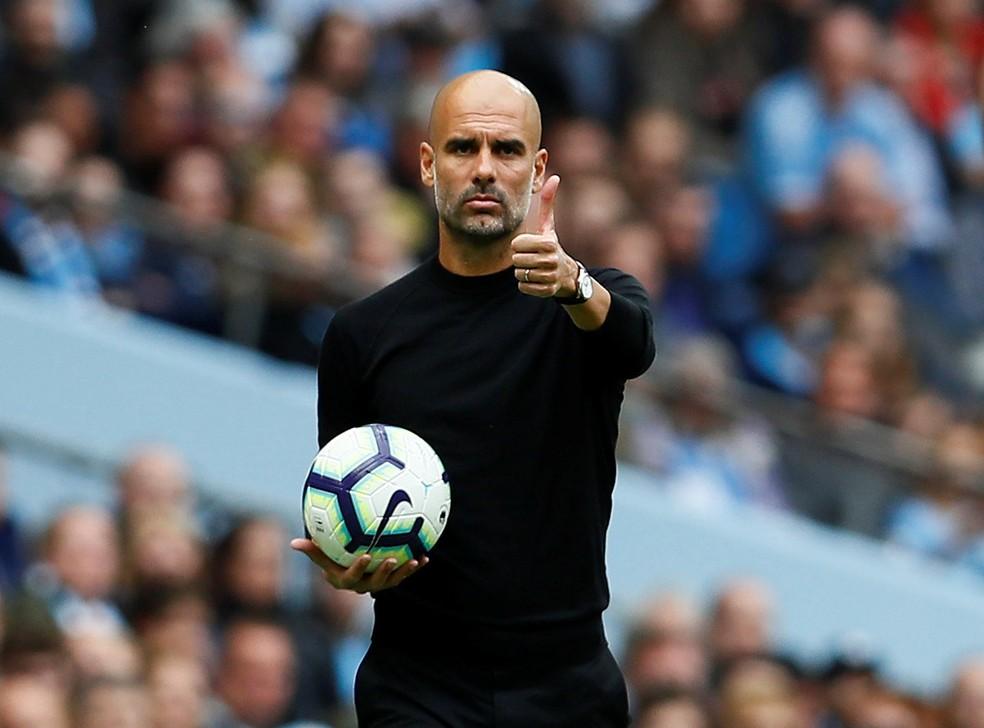 Guardiola em ação como técnico do Manchester City — Foto: Reuters