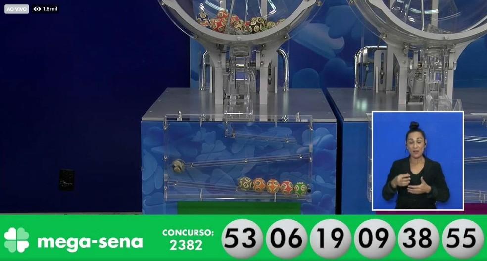 Sorteio do concurso 2.382 da Mega-Sena, em 19 de junho — Foto: Reprodução/Facebook/LoteriasCaixa