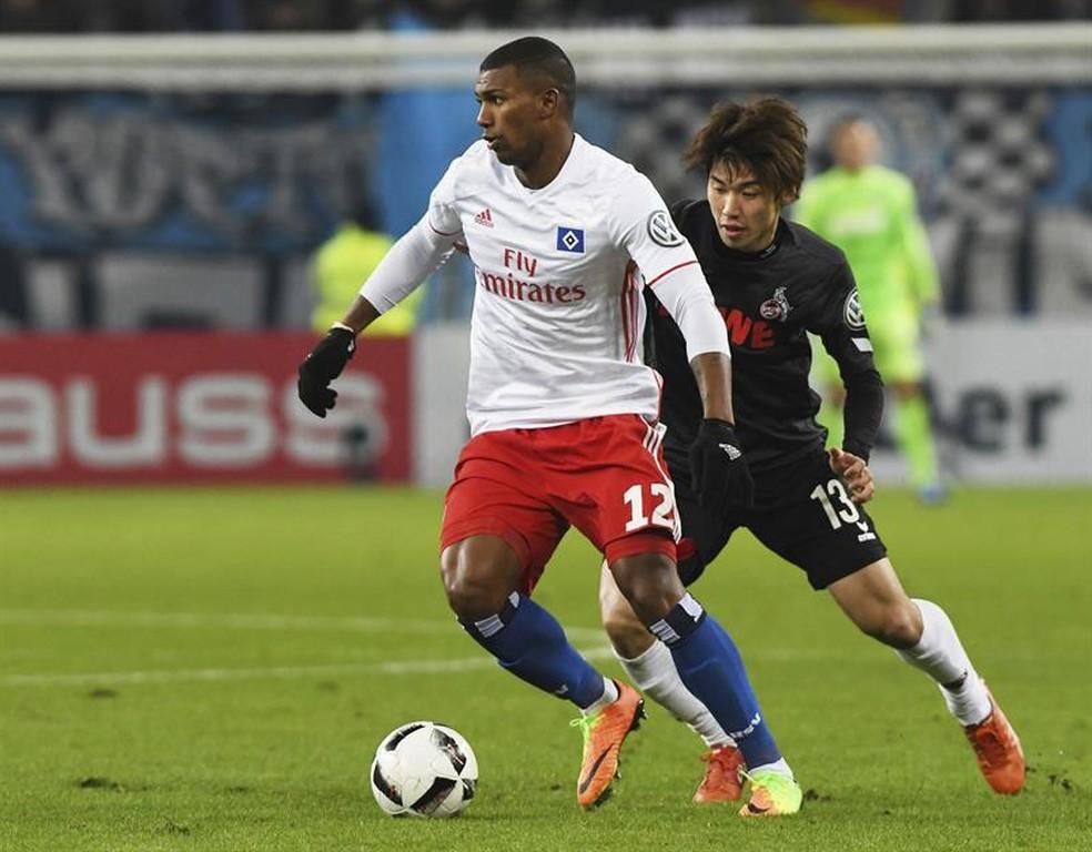 Walace estreou com a camisa do Hamburgo contra o Colônia (Foto: EFE )